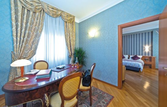 Suite Ath Green Park Hotel Pamphili