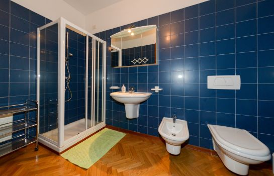 Bagno in camera Antares Apartments