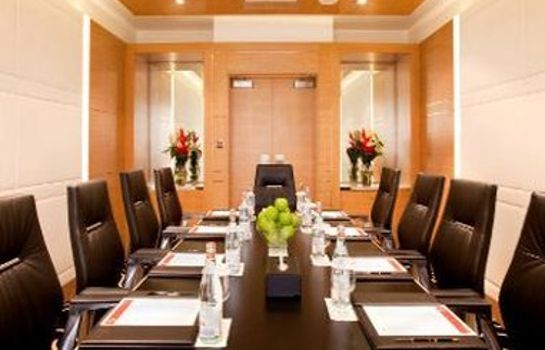 Conference room Ramada Plaza Jumeirah Beach