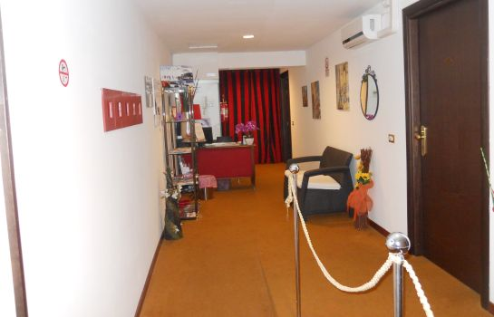 Réception Catania Crossing B&B Rooms & Comforts