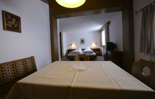 Double room (superior) Haus Schrofenstein