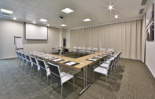 Conference room Best Western Premier CHC Airport