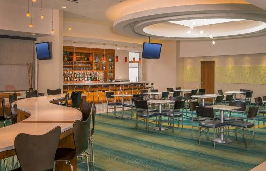 Hotelhalle SpringHill Suites New York LaGuardia Airport