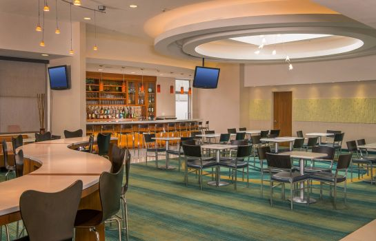 Restaurant SpringHill Suites New York LaGuardia Airport