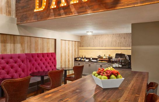 Bar del hotel DoubleTree DFW Airport North