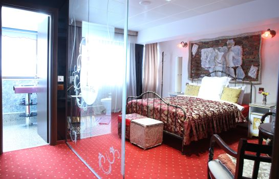 Double room (standard) Grand Pier