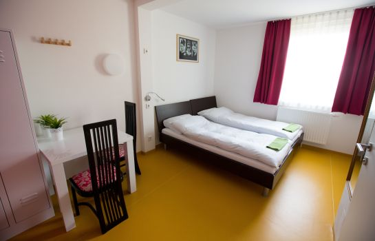 Dreibettzimmer A&T Holiday Hostel