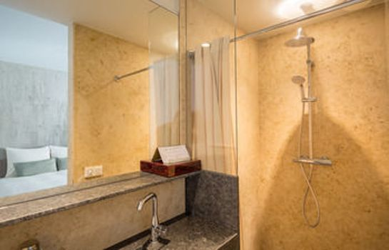Bathroom Hotel Miss Blanche Suites & Apartments