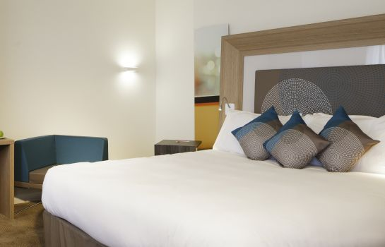 Double room (standard) Novotel London Blackfriars