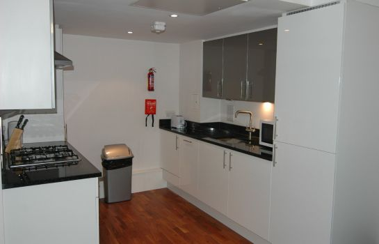 Cucina in camera Access Apartments Camden