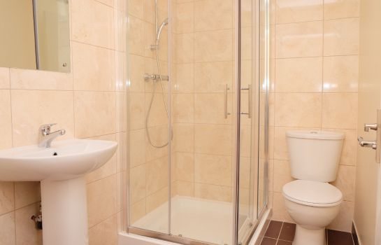 Cuarto de baño Access Apartments Shepherds Bush