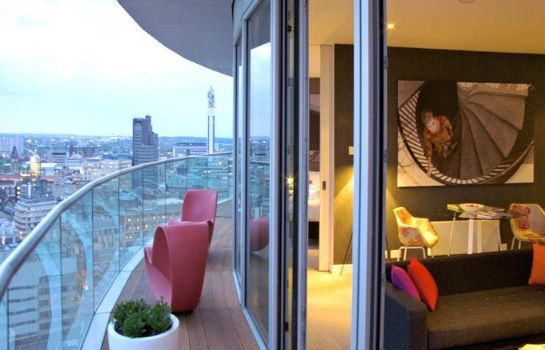 Pokój Staying Cool at Rotunda Stylish Serviced Apartments