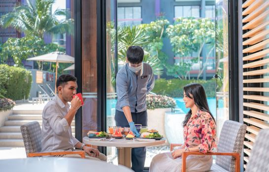 Restaurant Holiday Inn Express PHUKET PATONG BEACH CENTRAL