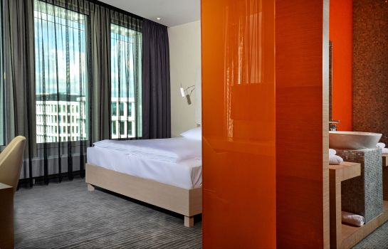 Single room (superior) Sound Garden Hotel Airport