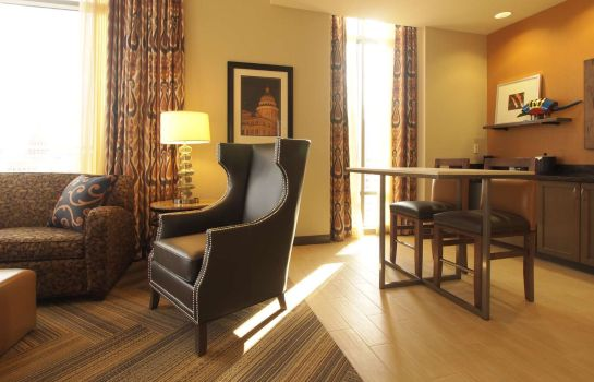 Zimmer Hampton Inn - Suites Austin * The University-Capitol TX
