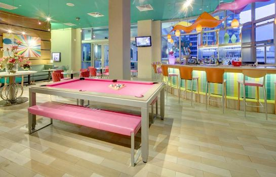 Hotel-Bar Hampton Inn - Suites Miami-Brickell-Downtown FL