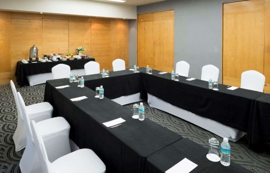 Conference room Real Inn Perinorte