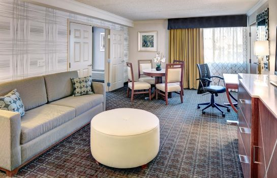Suite DoubleTree by Hilton Madison