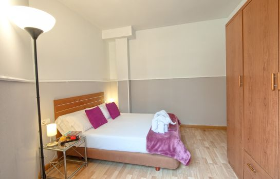 Double room (standard) Apartments Sata Park Güell Area