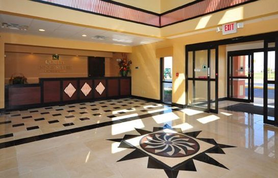 Hol hotelowy Quality Inn & Suites Mattoon