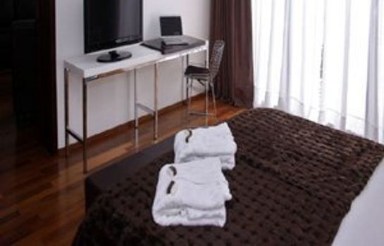 Room San Isidro Plaza