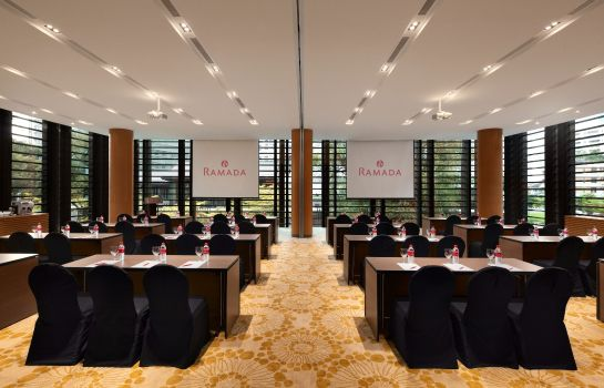 Meeting room Ramada by Wyndham Singapore At Zhongshan Park