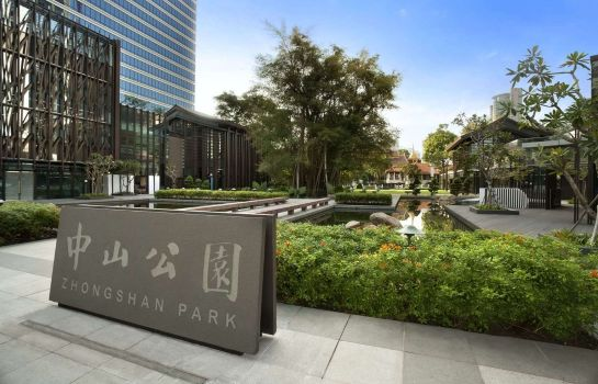 Exterior view Days Hotel Singapore at Zhongshan Park