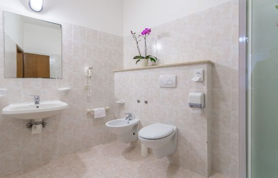 Bathroom Hotel San Rufino