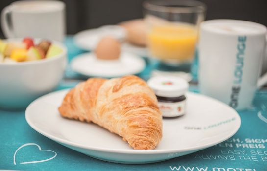 Petit-déjeuner buffet Motel One am Zwinger