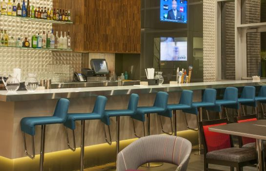Hotel bar Hampton Inn and Suites Denver Downtown-Convention Center CO