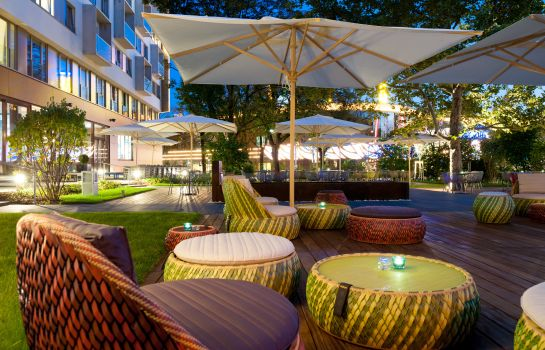 Terrace Motel One Prater