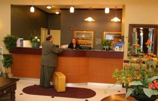 Lobby Holiday Inn Express & Suites ALLENTOWN WEST