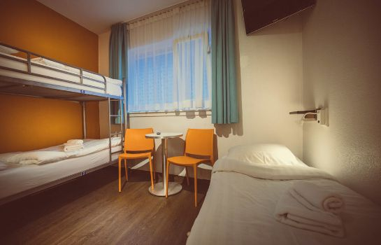 Camera standard Tourist Inn Budget Hotel - Hostel