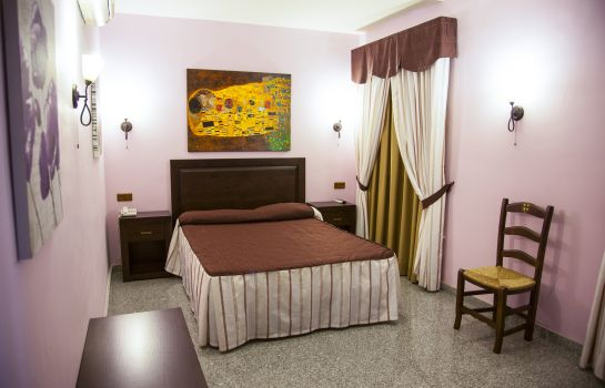 Suite Junior Plaza del Castillo