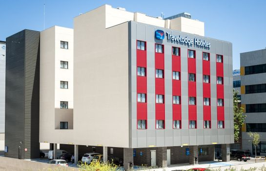 Außenansicht Travelodge Madrid Alcalá