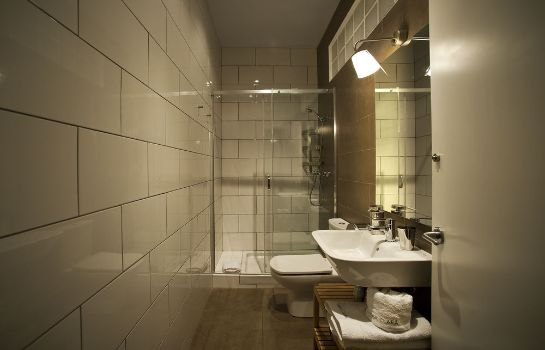 Bathroom APTBCN Apartment Super Balmes
