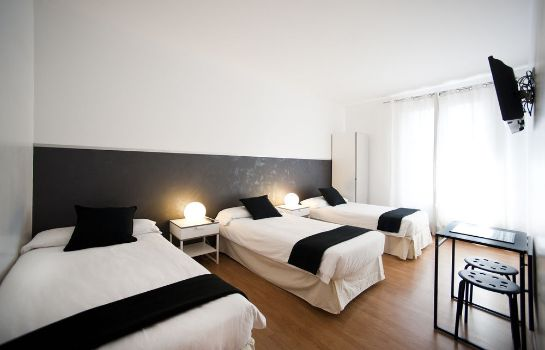 Standard room APTBCN Apartment Super Balmes