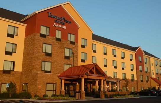 Vista exterior TownePlace Suites Bowling Green