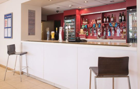 Bar del hotel TRAVELODGE LONDON EXCEL
