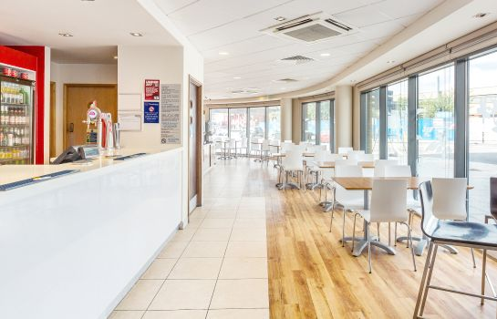 Bar del hotel TRAVELODGE LONDON GREENWICH