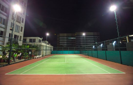 Tennis court HARRIS Suites fX Sudirman