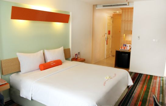 Double room (standard) HARRIS Suites fX Sudirman