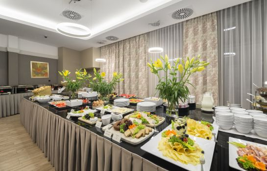 Breakfast buffet Golden Tulip Krakow City Center