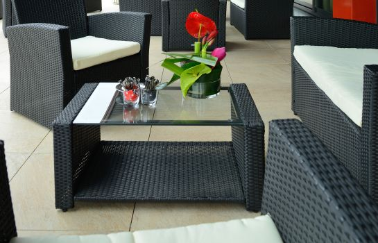 Terrasse KYRIAD PRESTIGE LYON EST - Saint Priest Eurexpo Hotel and SPA