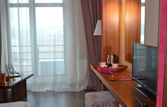 Double room (superior) Phoenicia Express
