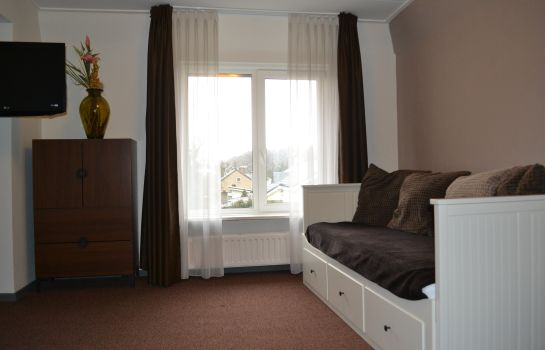Four-bed room Rozenhof Hostellerie Rozenhof