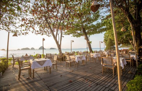 Hotel bar Tup Kaek Sunset Beach Resort
