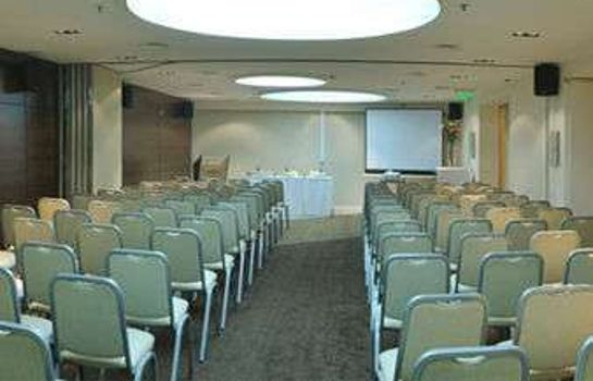 Conference room Howard Johnson La Canada  Hotel & Suites