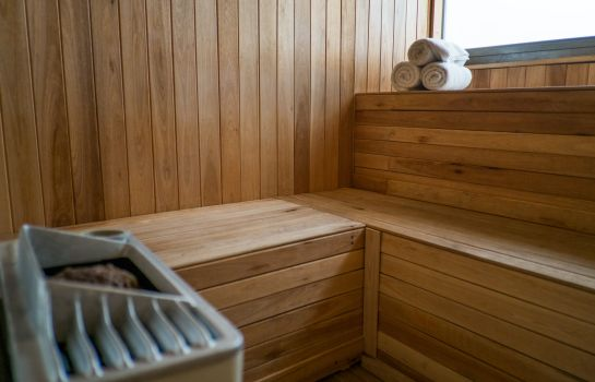 Sauna Howard Johnson La Canada  Hotel & Suites