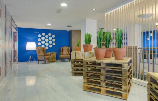 Lobby Tryp Madrid Airport Suites